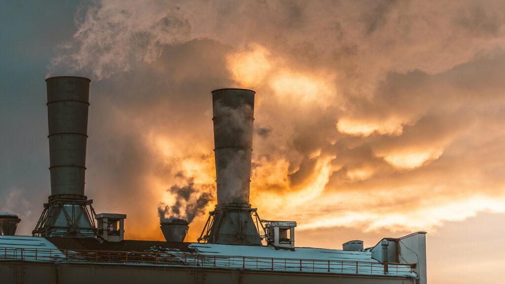 Denuncian que alianza global contra energía de carbón no podrá cumplir con su propósito