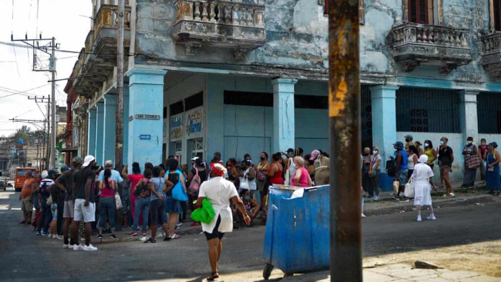 Cuba quiere ser el país más pequeño en desarrollar su propia vacuna Covid