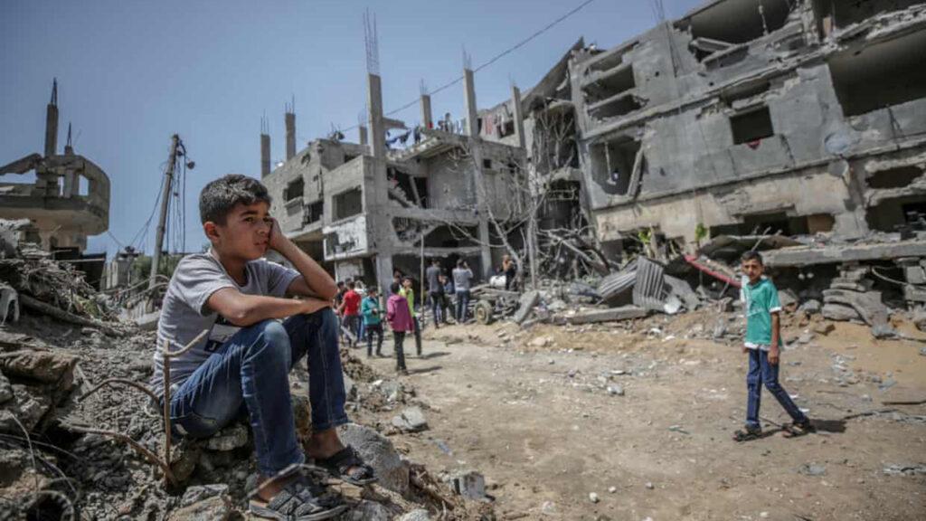 Los palestinos regresan a hogares devastados mientras la ONU pide un diálogo en Gaza