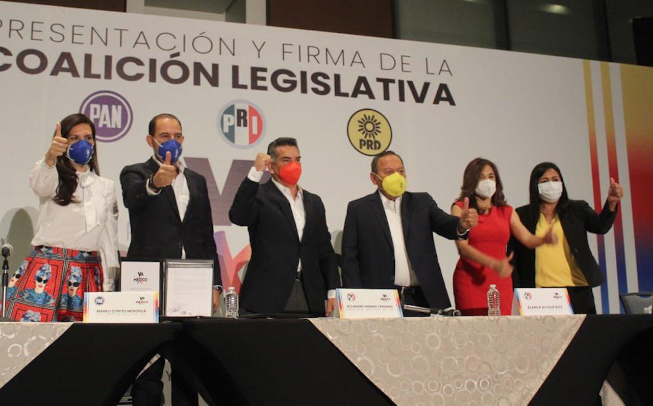 Foto del evento donde se presentó la alianza legislativa de Va Por México