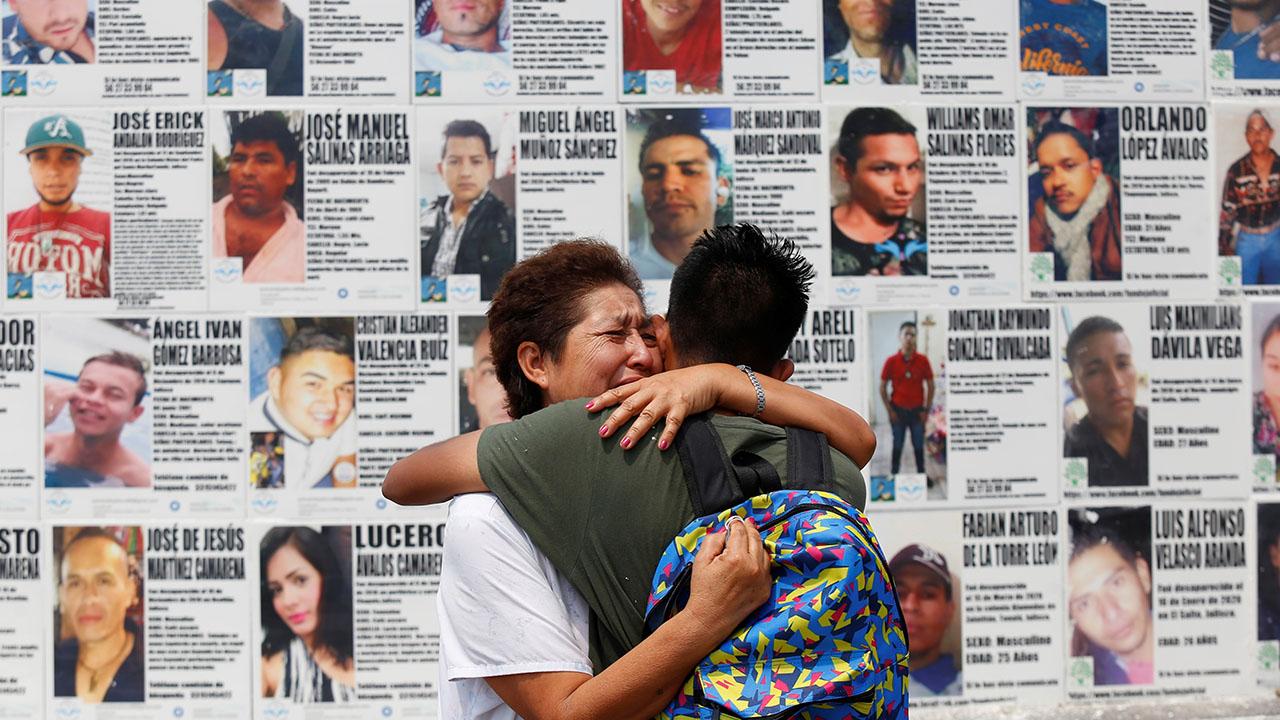 Foto de familiares de desaparecidos en México