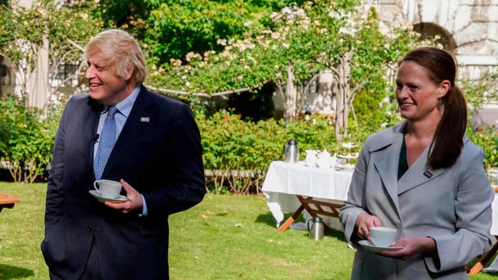 La enfermera que cuidó a Boris Johnson renunció por 'falta de respeto' a los trabajadores del sector salud
