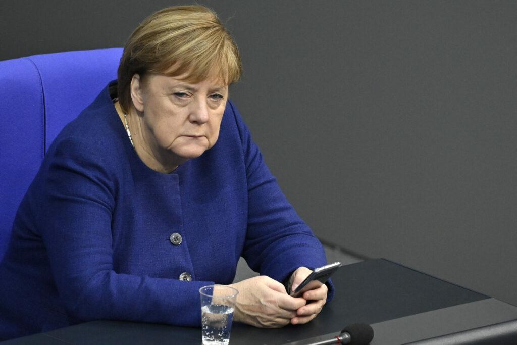 EU espió a Angela Merkel y a otros políticos europeos, revelan medios