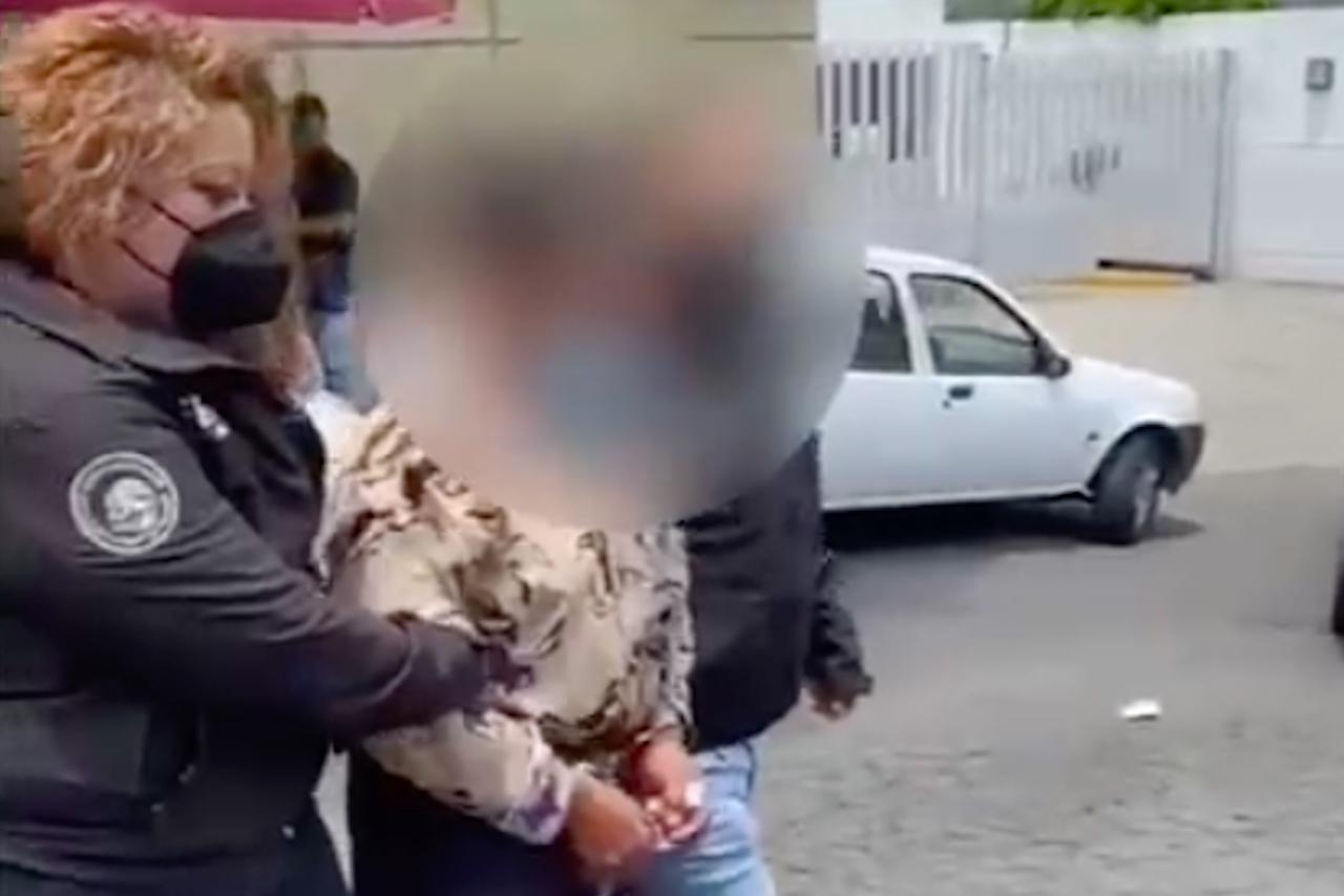 Foto de la detención del supuesto feminicida serial de Atizapán