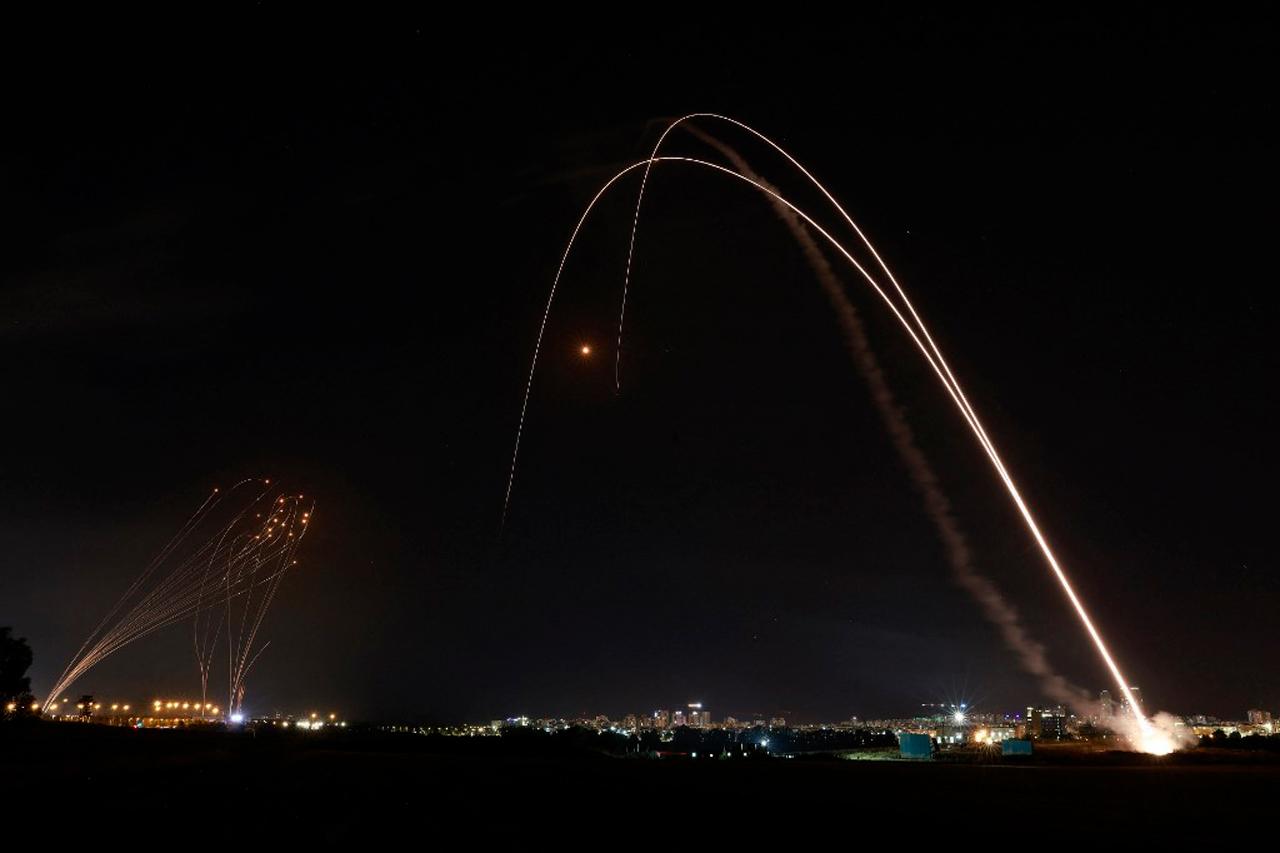Foto el DOMO DE HIERRO sirve para evitar daños con misiles