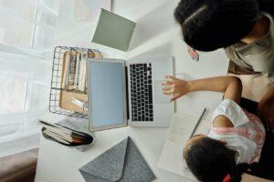 La-Lista de los estigmas sociales hacia las mamás que trabajan