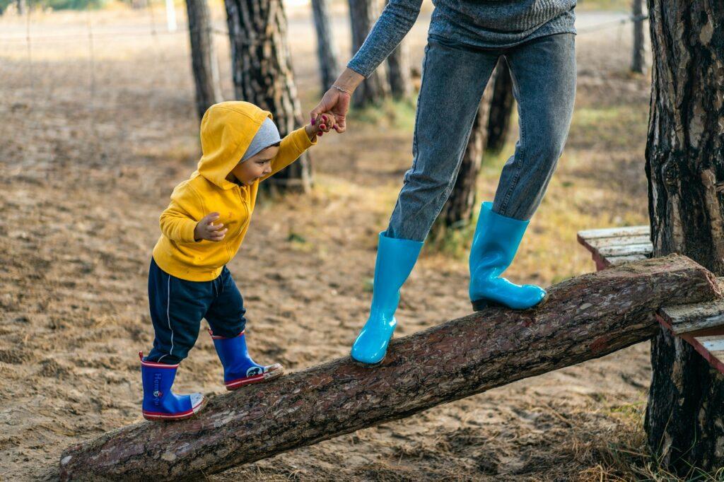 No descuides ni abuses de tus redes de apoyo en la crianza de tus hijos