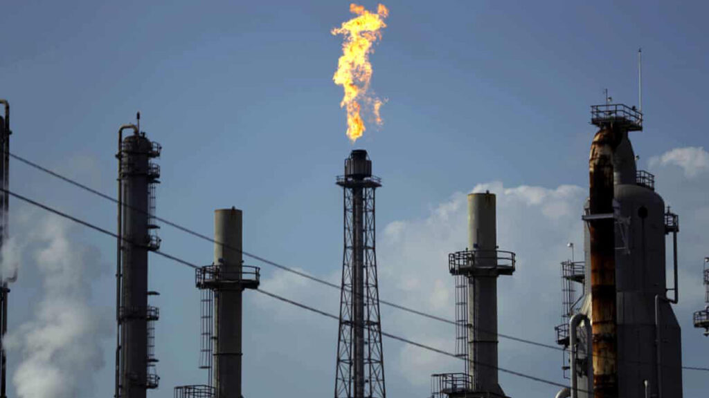 'Día catastrófico' para las compañías petroleras detona esperanzas para abordar la crisis climática