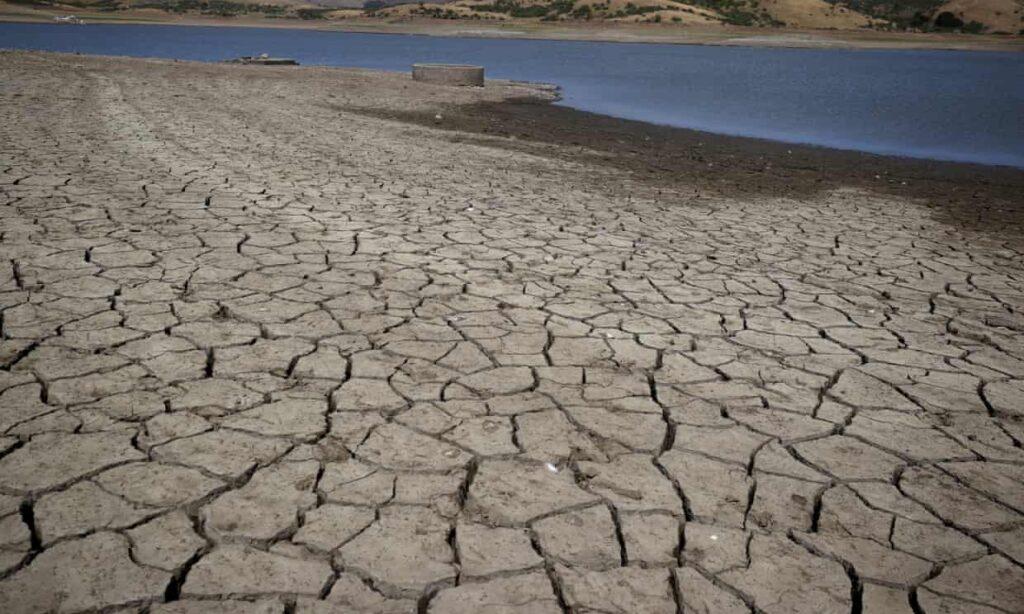 Silicon Valley toma medidas enérgicas contra el uso del agua a medida que empeora la sequía