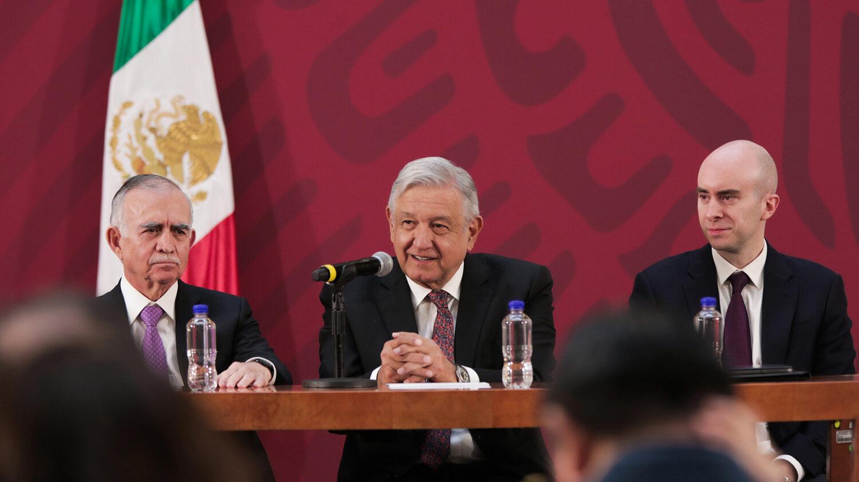 Carlos Torres superdelegados AMLO