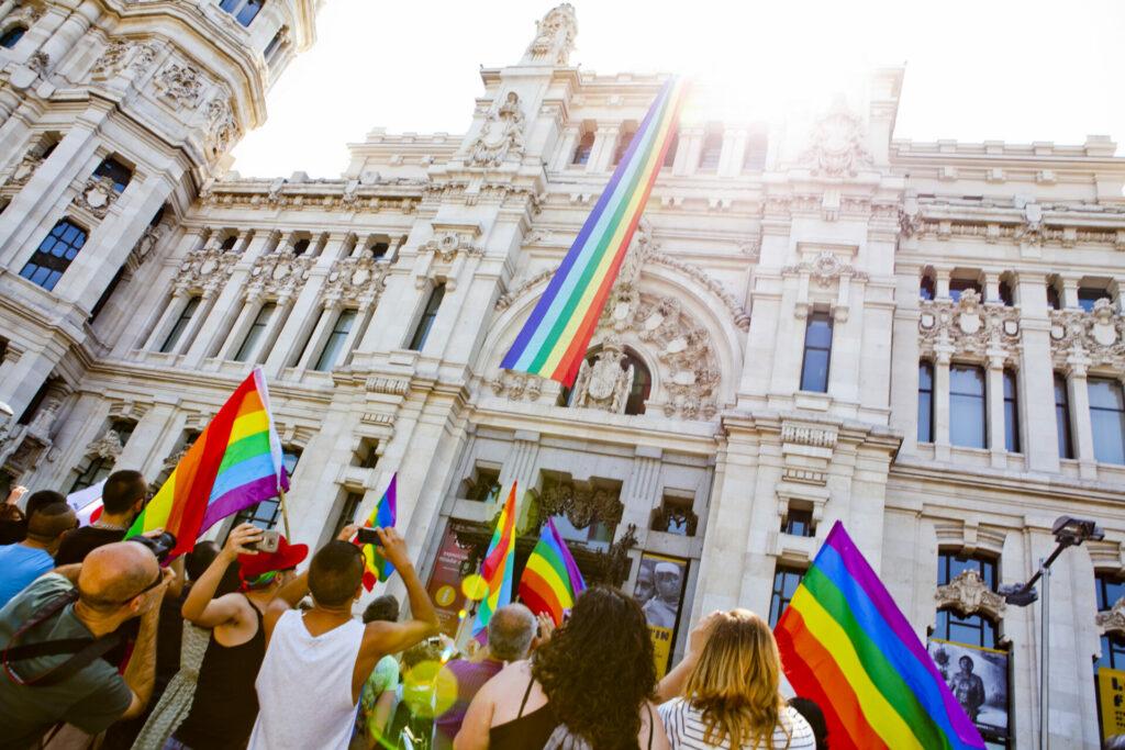 La 'histórica' ley trans de España inicia su camino hacia el Congreso