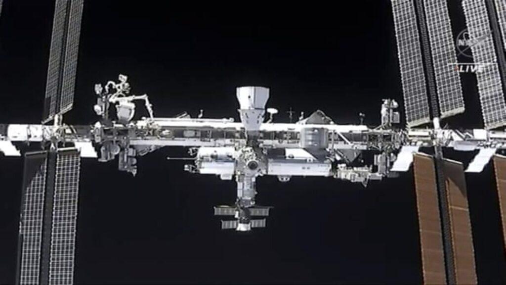 Un brazo robótico de la Estación Espacial Internacional fue golpeado por basura espacial