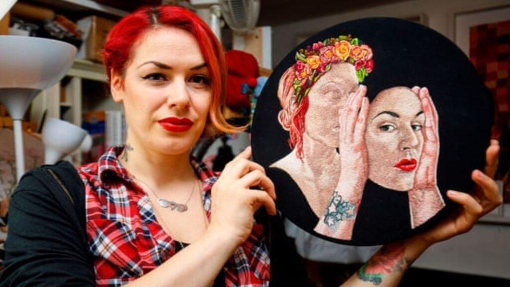 Una artista evalúa demandar a la Real Academia de las Artes porque la acusó de 'transfobia'