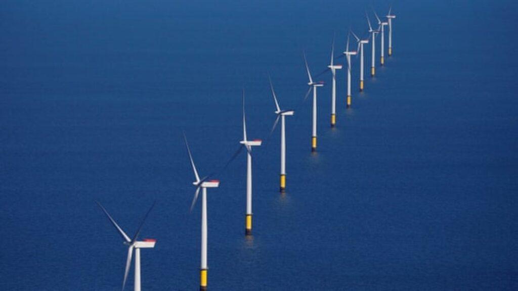 El conflicto de las turbinas eólicas suma tensiones entre Reino Unido y la UE