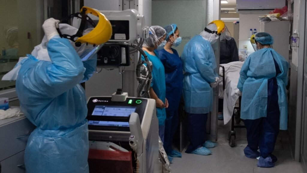 Uruguay, a la alza en número de muertes por Covid-19 a pesar de un buen manejo inicial de la pandemia