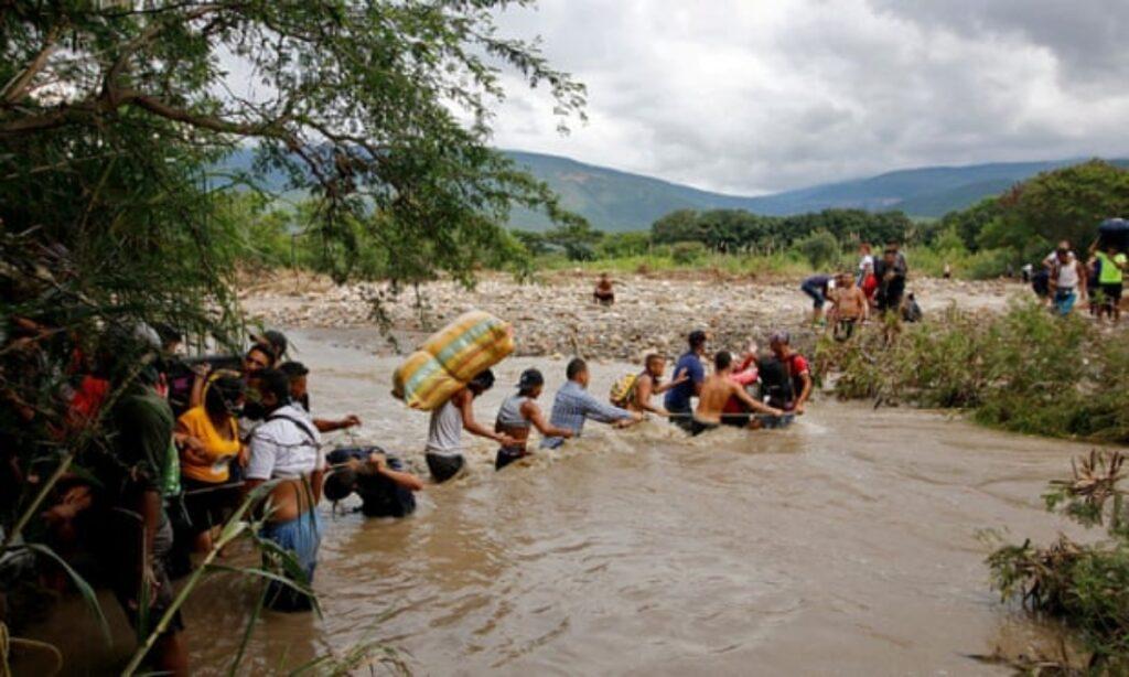 'Latinoamérica nunca volverá a ser la misma': el éxodo venezolano alcanza niveles récord