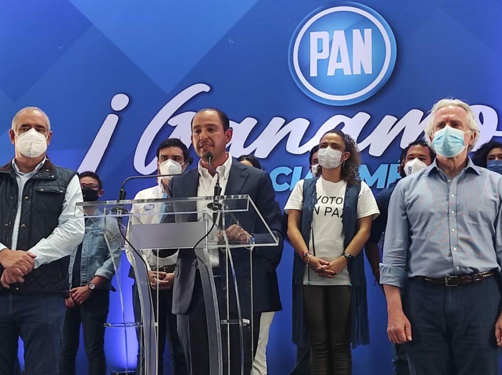 'Al PAN le falta ser auténtico y expresarse como un partido de derecha'