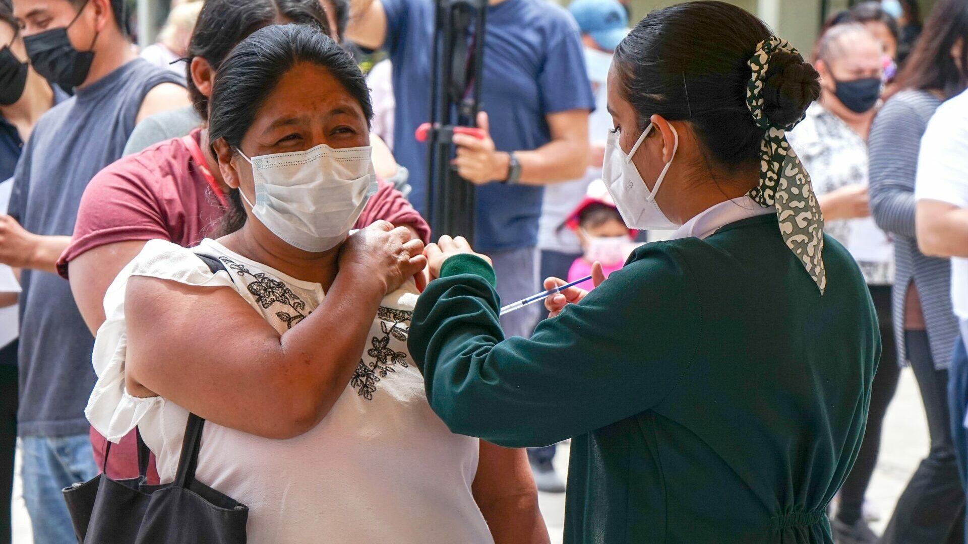 migrantes vacuna tijuana
