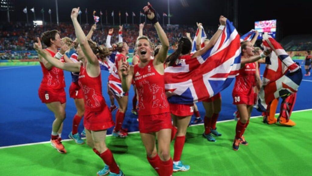 Las mujeres del equipo de Gran Bretaña ya tiene los brasieres correctos