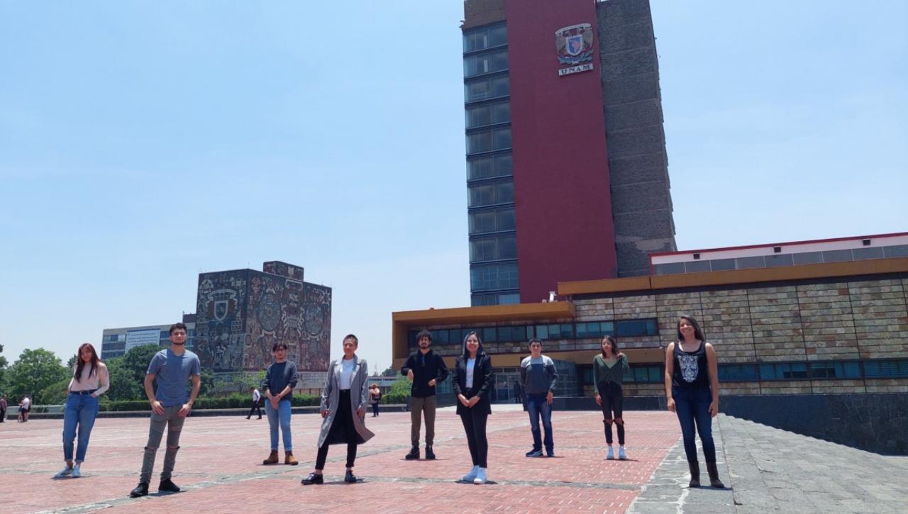 Foto de Los estudiantes mexicanos premiados en la UNAM
