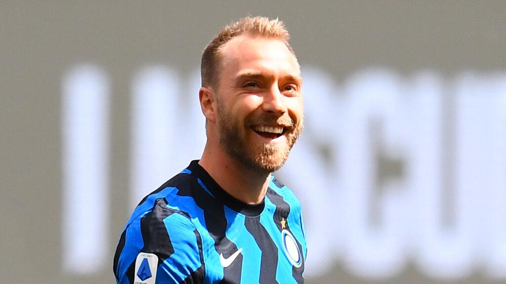 El Inter de Milán celebra que Christian Eriksen ya salió del hospital
