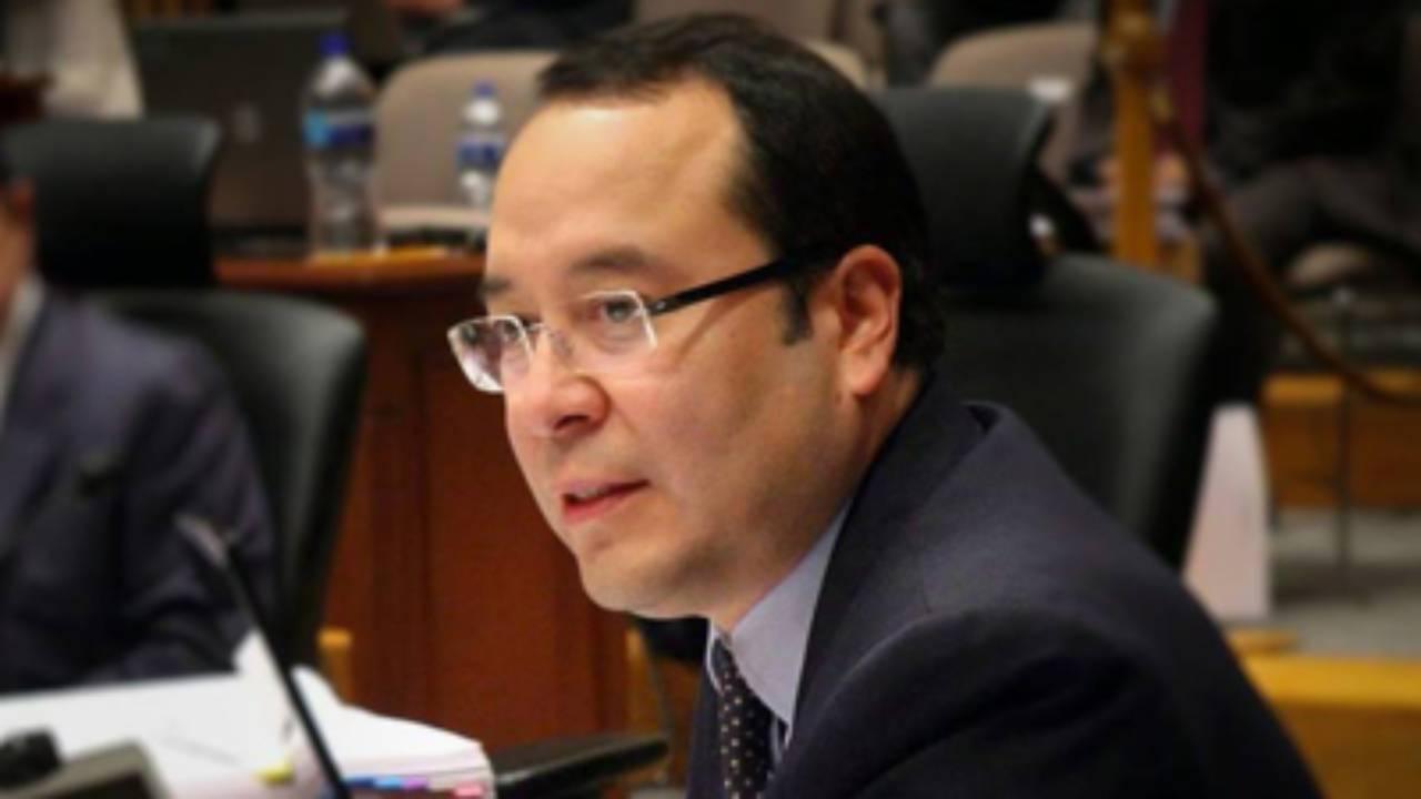 Ciro Murayama llama irresponsables a los que se proclaman ganadores