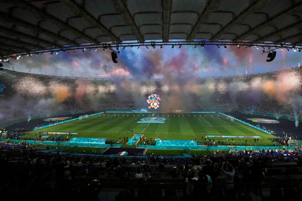 Fotogalería: La Eurocopa tiene su primer estadio lleno