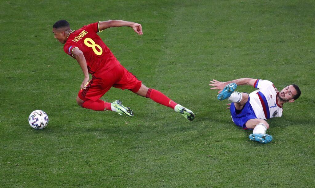 Bélgica e Italia, primeros líderes de grupos en la Eurocopa