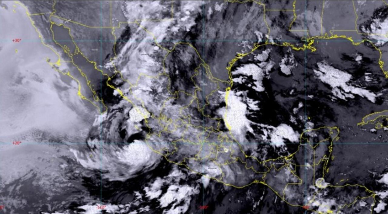 Foto satelital de huracán Enrique