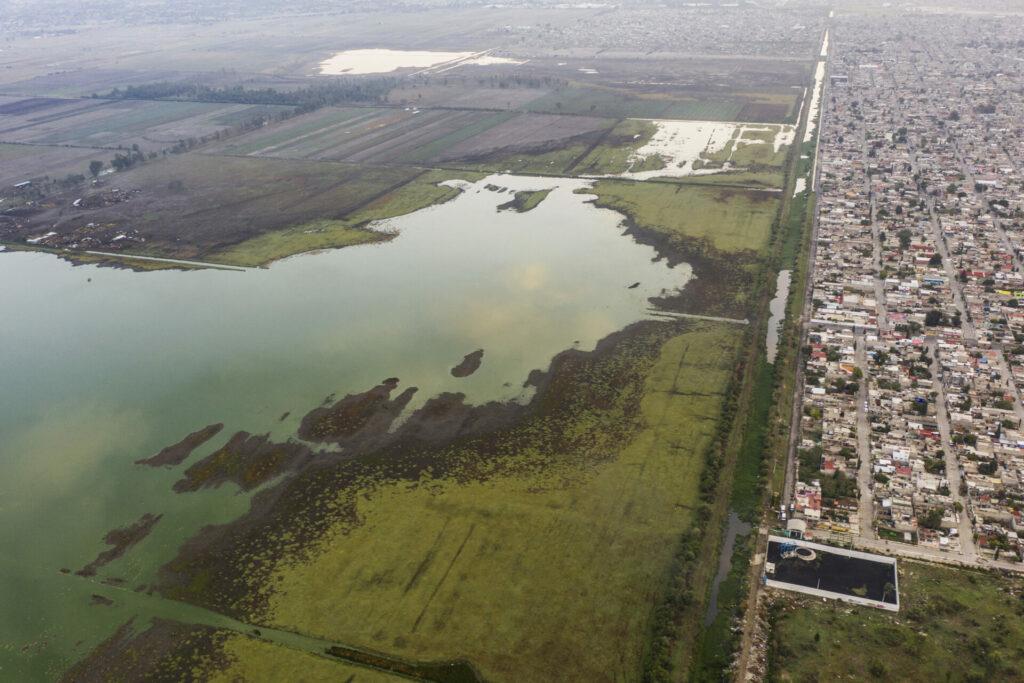 Tláhuac-Xico, el lago prehispánico que hoy es depósito de escombros