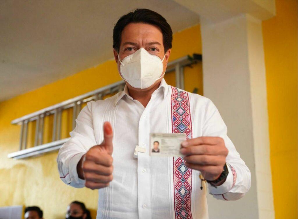 Morena es multado por atribuirse la vacunación contra el Covid-19