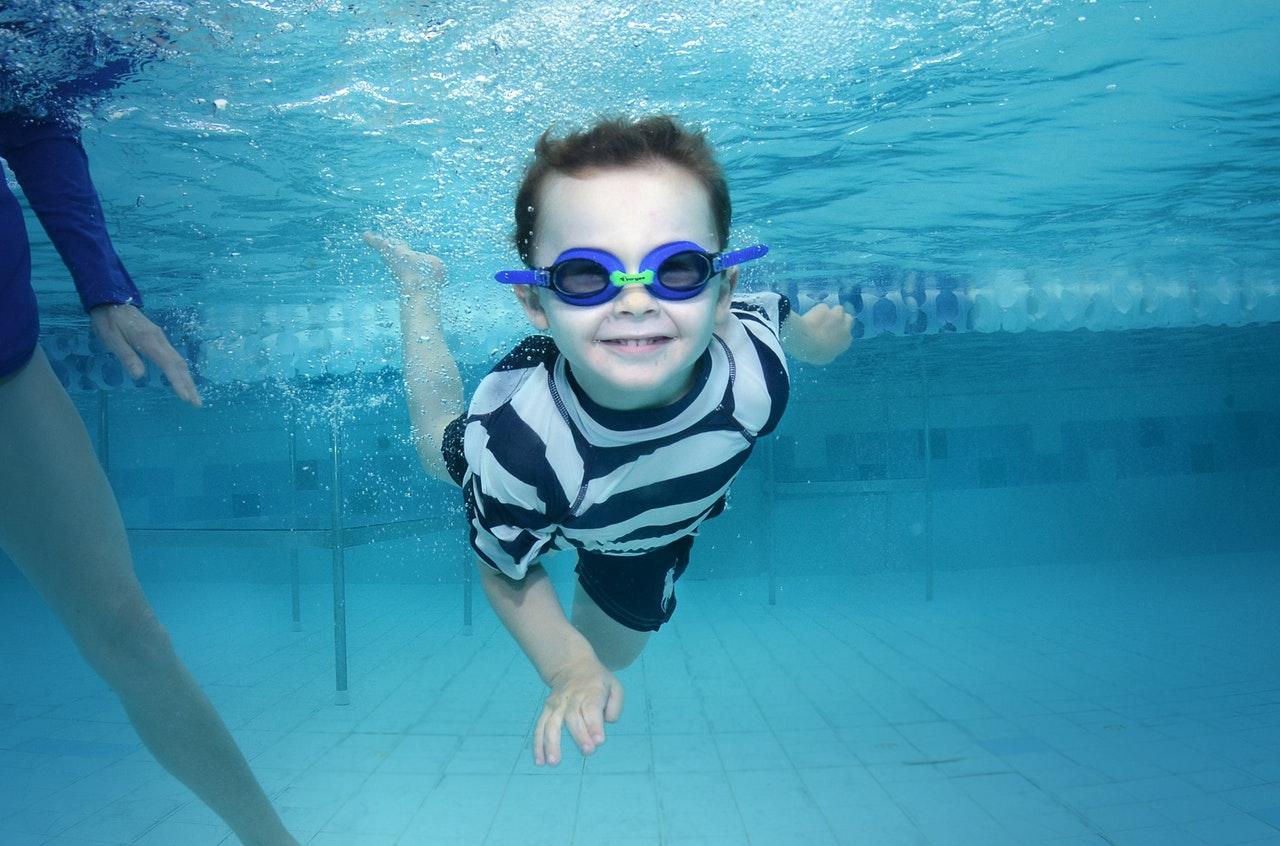 por qué los niños deben ir a nadar