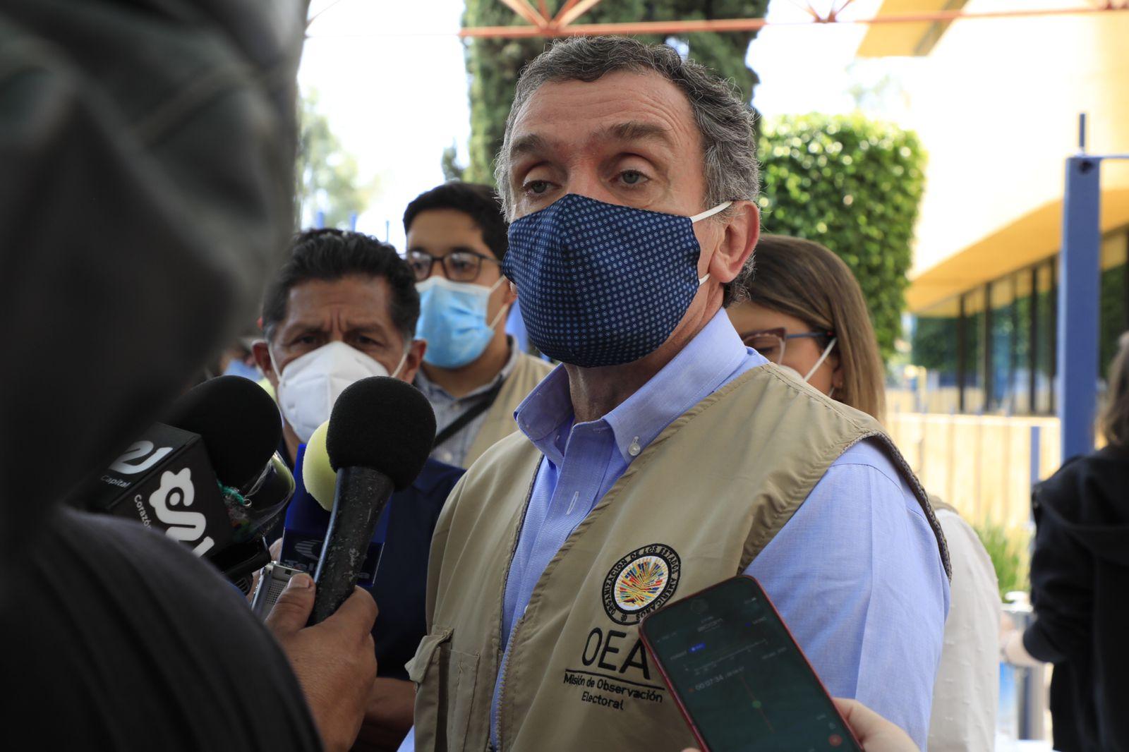 Foto de Santiago Cantón, jefe de misión de visitantes extranjeros de la OEA