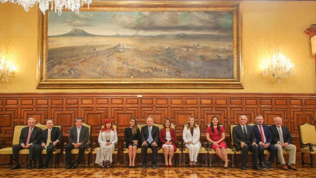 AMLO se reúne con los gobernadores electos… de Morena