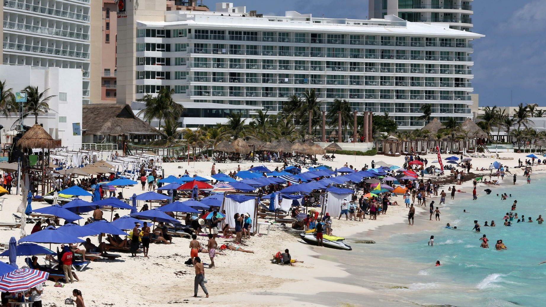 Cancún turistas EU México alerta de viaje