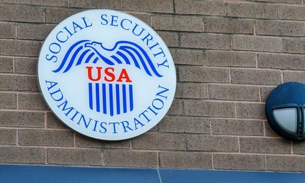 'No puedo vivir con 709 dólares al mes': estadounidenses presionan para modificar la seguridad social