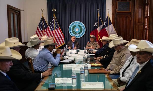 Gobernador promete arrestar a los demócratas que huyeron de Texas para bloquear las restricciones al voto