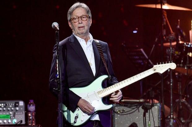 Eric Clapton se niega a tocar en lugares que exijan prueba de vacunación