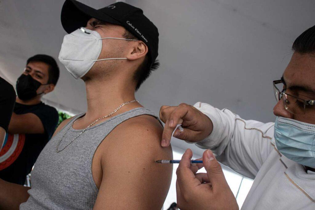 Así será la vacunación contra Covid-19 para jóvenes de 18 a 29 años en Toluca