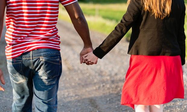 Dos tercios de las parejas comienzan como amigos, según una investigación