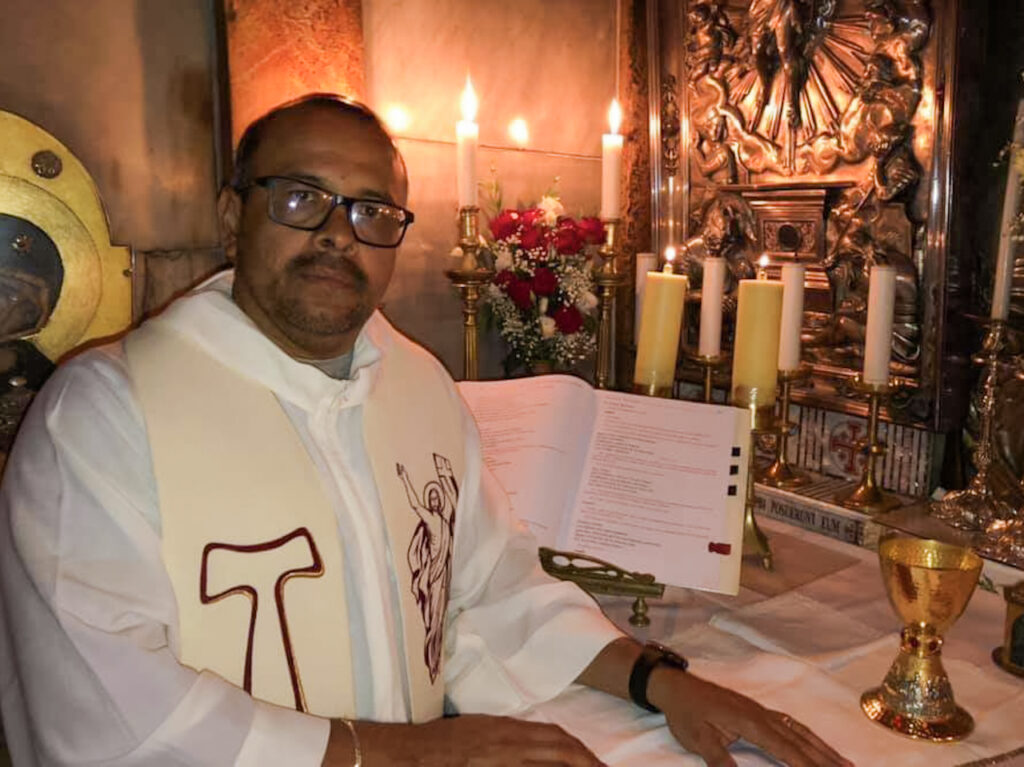 Párroco de Aguililla: 'La violencia no es opción pero es cristiano defender tu vida'