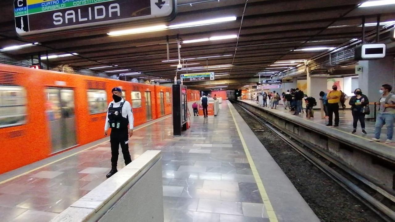 Foto de la línea 6 del metro que cerró cuatro estaciones