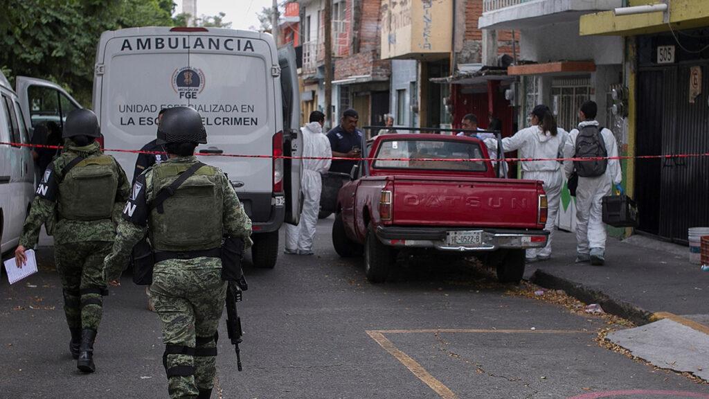 Asesinan a 8 presuntos sicarios en campamento clandestino en Michoacán