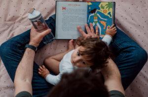 'La cajita de los besos': el cuento para niños que hace reflexionar a los padres