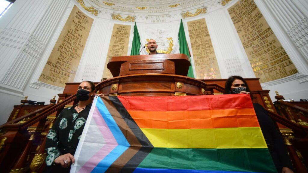 El Congreso de la CDMX aprueba ley de atención a personas LGBT