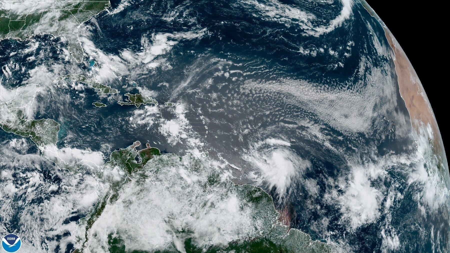 Foto diferencia entre una depresión tropical, tormenta tropical y huracán