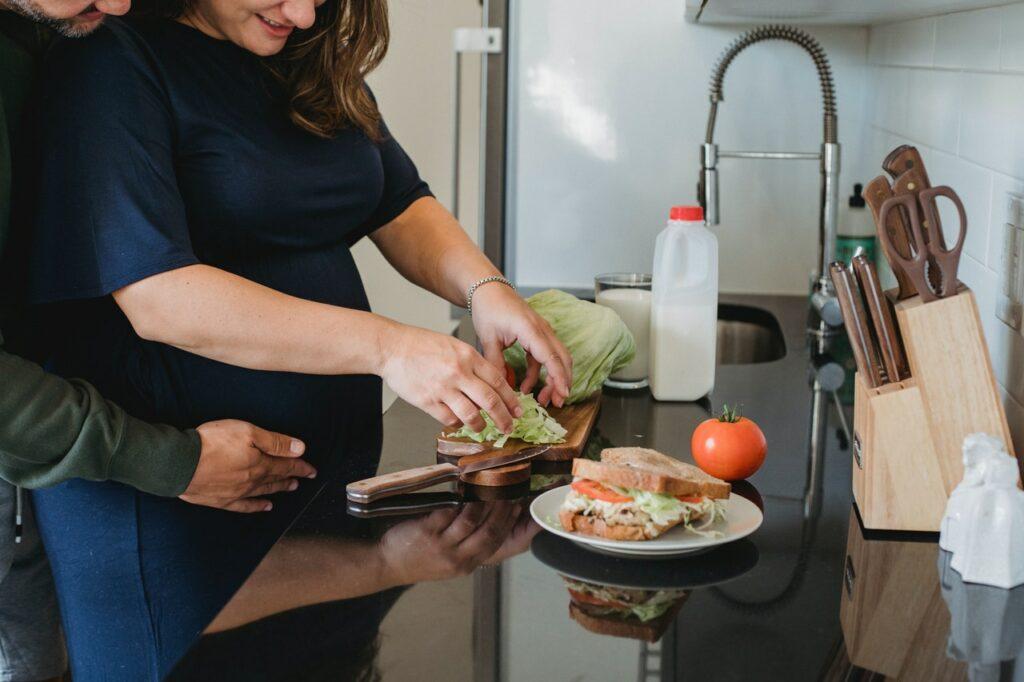 ¿Qué debo y no comer durante mi embarazo?