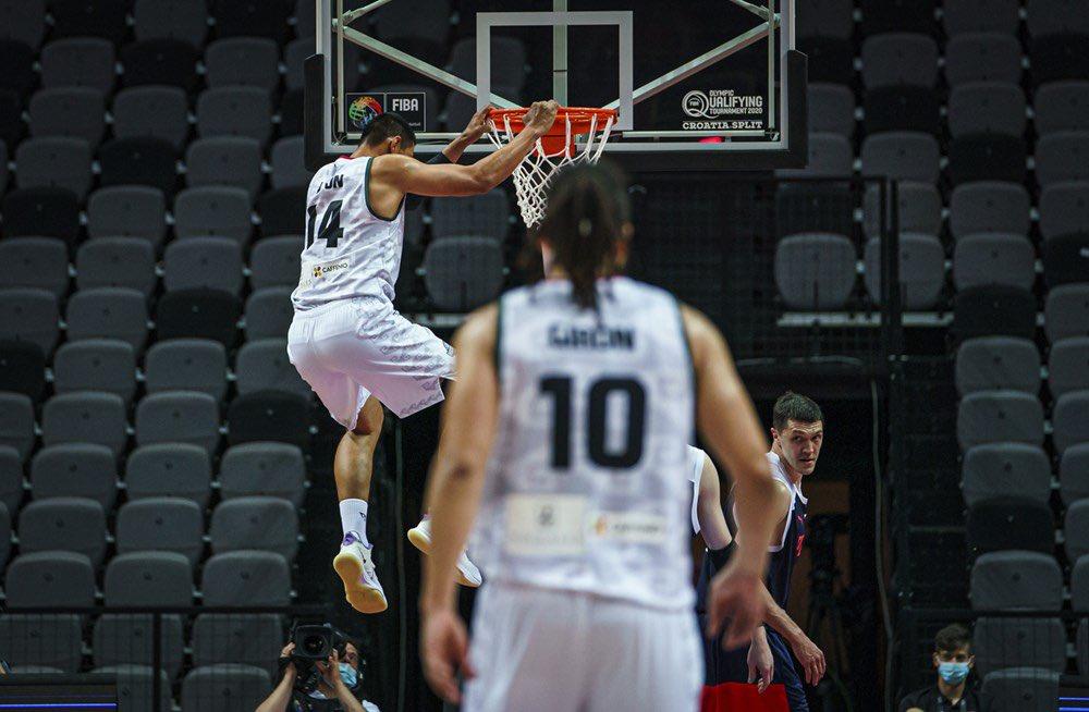 Gustavo Ayon, jugador de México en basquetbol