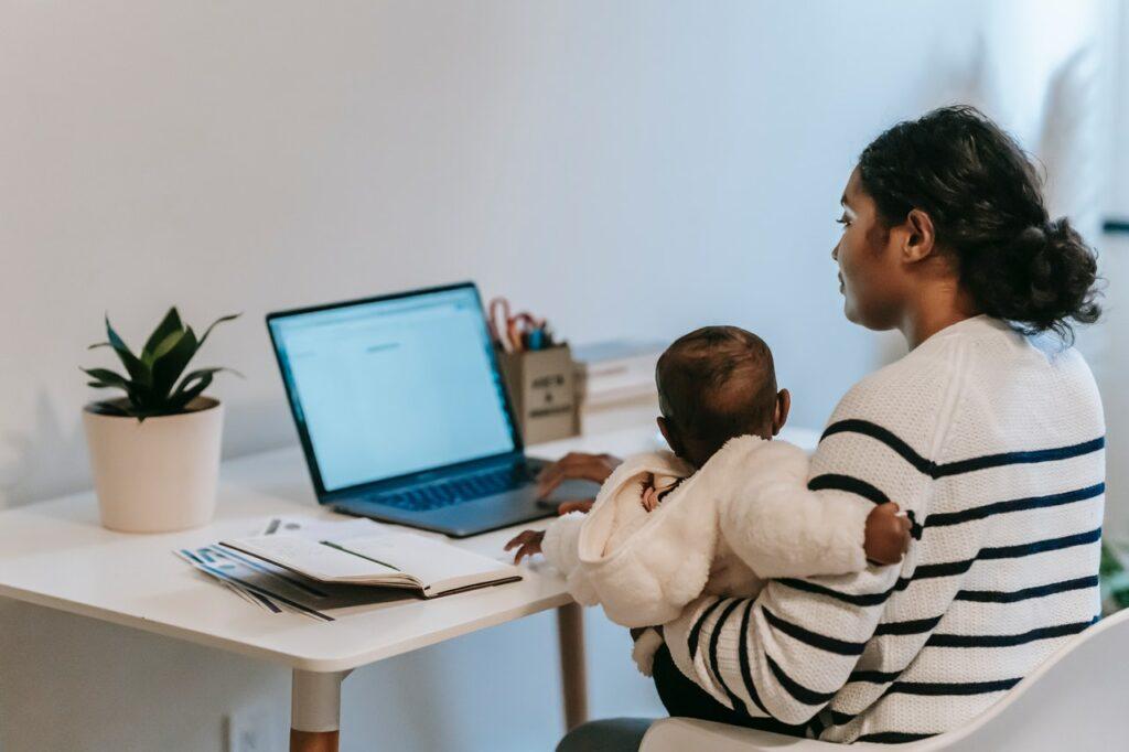 Consejos para trabajar en casa o en la oficina sin descuidar a tus hijos
