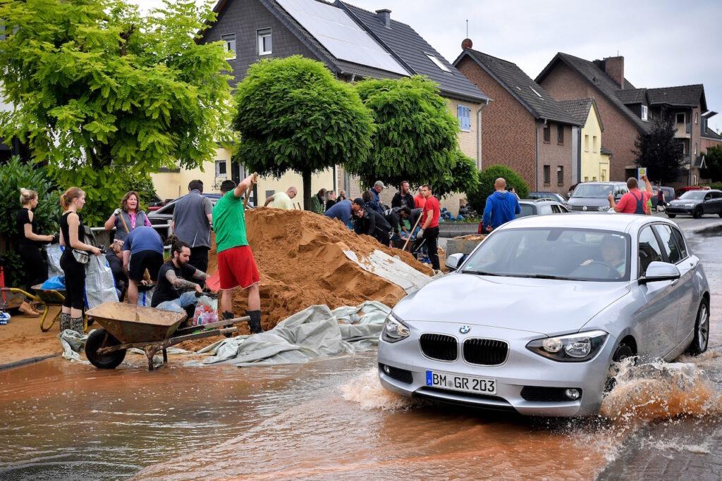 Autoridades reportan al menos 135 muertos por inundaciones en Alemania